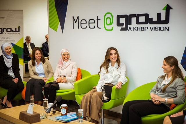 women-entrepreneurs-with-queen-rania